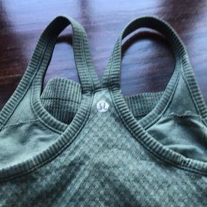 Lululemon fitted tank size 2